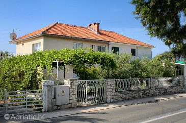 Property Orebić (Pelješac) - Accommodation 4562 - Apartments near sea with sandy beach.