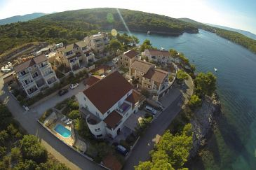 Property Jelsa (Hvar) - Accommodation 4608 - Apartments near sea.