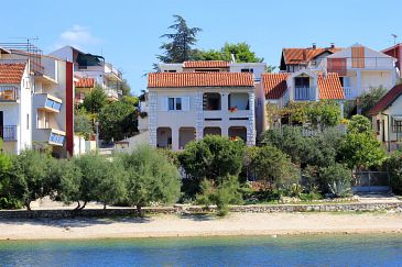 Property Grebaštica (Šibenik) - Accommodation 461 - Apartments near sea with pebble beach.