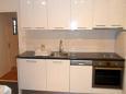 Kitchen - Apartment A-4642-a - Apartments Omiš (Omiš) - 4642