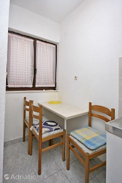 Studio flat AS-4645-a - Apartments Mimice (Omiš) - 4645