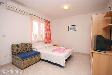 Arbanija, Living room u smještaju tipa apartment, dostupna klima i WIFI.