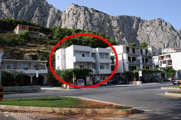 Property Omiš (Omiš) - Accommodation 4654 - Apartments with sandy beach.