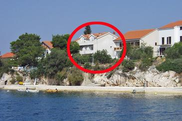 Property Brodarica (Šibenik) - Accommodation 466 - Apartments near sea with pebble beach.