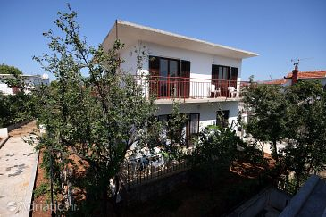 Property Rogoznica (Rogoznica) - Accommodation 4660 - Apartments near sea with pebble beach.