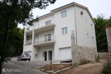 Property Duće (Omiš) - Accommodation 4664 - Apartments near sea with sandy beach.