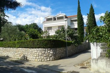 Property Selce (Crikvenica) - Accommodation 4802 - Apartments near sea with pebble beach.