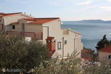 Property Pisak (Omiš) - Accommodation 4815 - Apartments near sea with pebble beach.