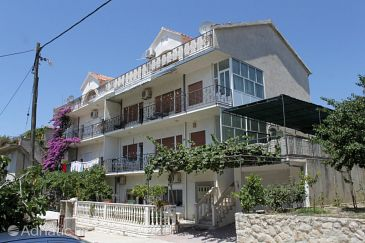 Property Podstrana (Split) - Accommodation 4822 - Apartments with pebble beach.