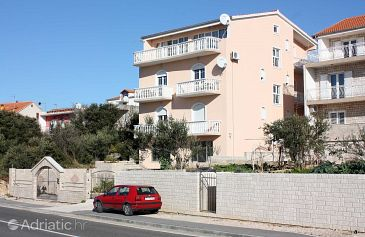Property Brodarica (Šibenik) - Accommodation 4835 - Apartments near sea with pebble beach.