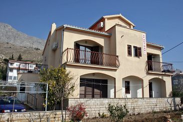 Property Duće (Omiš) - Accommodation 4852 - Apartments near sea with sandy beach.