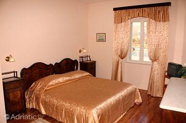 Room S-4869-a - Rooms Trogir (Trogir) - 4869
