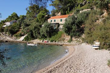Property Uvala Torac (Hvar) - Accommodation 4875 - Apartments near sea with pebble beach.