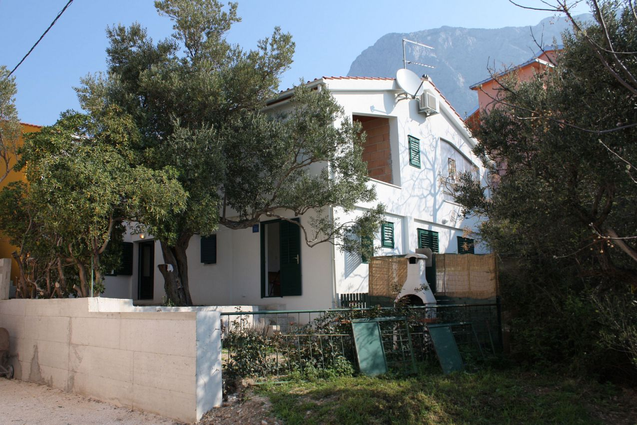 Apartmány s parkoviskom v meste Krvavica - 4879