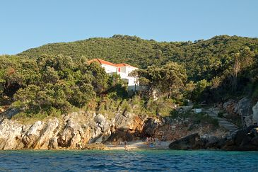 Property Kozarica (Mljet) - Accommodation 4950 - Apartments near sea with rocky beach.