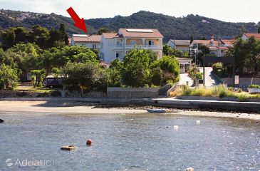 Banjol, Rab, Property 4976 - Apartments and Rooms blizu mora with sandy beach.