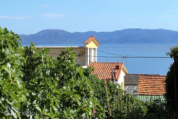 Property Brist (Makarska) - Accommodation 506 - Apartments near sea with pebble beach.