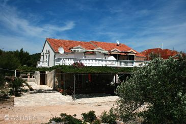 Property Jezera (Murter) - Accommodation 5082 - Apartments and Rooms with pebble beach.