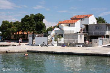 Property Betina (Murter) - Accommodation 5090 - Apartments near sea.