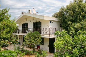 Property Jezera (Murter) - Accommodation 5101 - Apartments with pebble beach.