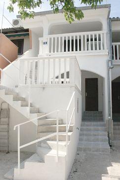 Obiekt Jezera (Murter) - Zakwaterowanie 5108 - Apartamenty ze żwirową plażą.