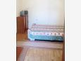 Murter, Bedroom 1 u smještaju tipa apartment, dostupna klima i dopusteni kucni ljubimci.