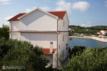 Property Jezera (Murter) - Accommodation 5118 - Apartments near sea.