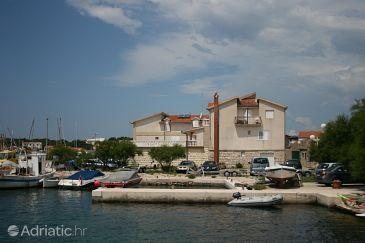 Property Jezera (Murter) - Accommodation 5123 - Apartments near sea.