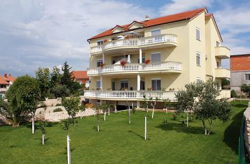 Property Murter (Murter) - Accommodation 5126 - Apartments with pebble beach.