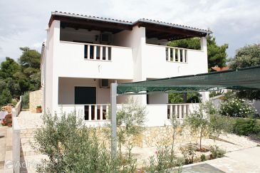 Property Jezera (Murter) - Accommodation 5139 - Apartments with pebble beach.