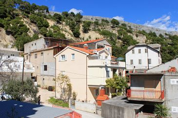 Property Krilo Jesenice (Omiš) - Accommodation 5159 - Apartments near sea with pebble beach.