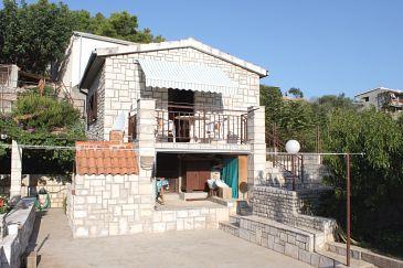 Obiekt Stomorska (Šolta) - Zakwaterowanie 5164 - Apartamenty blisko morza ze żwirową plażą.