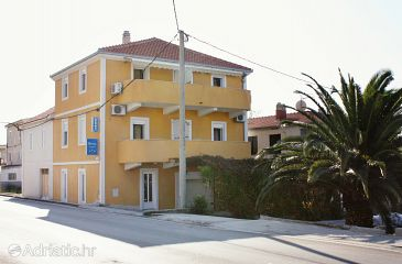 Property Podstrana (Split) - Accommodation 5226 - Apartments near sea with pebble beach.