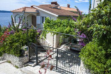 Property Rastići (Čiovo) - Accommodation 5233 - Apartments near sea.