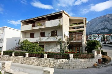Property Makarska (Makarska) - Accommodation 5235 - Apartments and Rooms near sea with pebble beach.