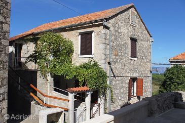 Property Pitve (Hvar) - Accommodation 5247 - Apartments with sandy beach.
