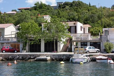 Property Jadranovo (Crikvenica) - Accommodation 5286 - Apartments near sea with pebble beach.