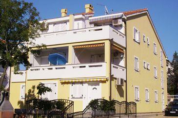 Property Malinska (Krk) - Accommodation 5289 - Apartments with pebble beach.