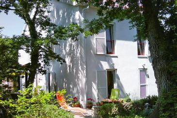 Property Njivice (Krk) - Accommodation 5309 - Apartments with pebble beach.