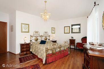 Room S-5340-a - Rooms Novi Vinodolski (Novi Vinodolski) - 5340