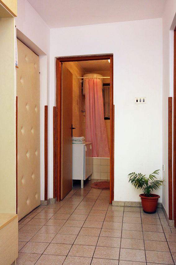 Apartmány s parkoviskom v meste Punat - 5351