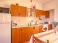 Kitchen - Apartment A-5362-a - Apartments and Rooms Njivice (Krk) - 5362