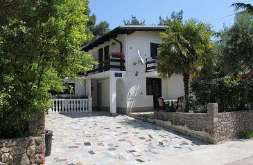 Artatore, Lošinj, Property 5377 - Apartments with pebble beach.