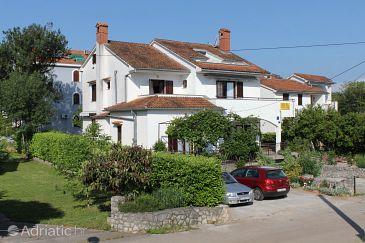 Vantačići, Krk, Property 5386 - Apartments with pebble beach.