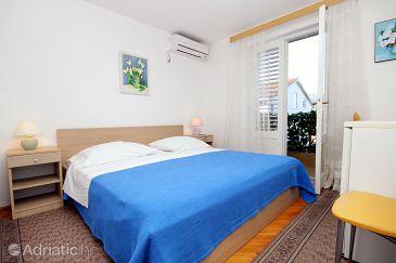 Vrboska, Bedroom u smještaju tipa room, dostupna klima i WIFI.