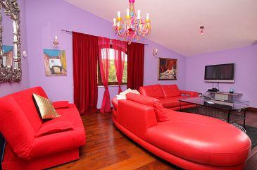 Vrbnik, Pokój dzienny w zakwaterowaniu typu apartment, dostupna klima.