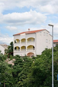 Property Novi Vinodolski (Novi Vinodolski) - Accommodation 5526 - Apartments with pebble beach.