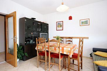 Apartament A-5541-a - Apartamenty Novi Vinodolski (Novi Vinodolski) - 5541
