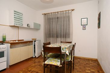 Apartment A-5556-c - Apartments and Rooms Crikvenica (Crikvenica) - 5556