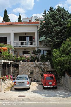 Property Novi Vinodolski (Novi Vinodolski) - Accommodation 5582 - Apartments with pebble beach.